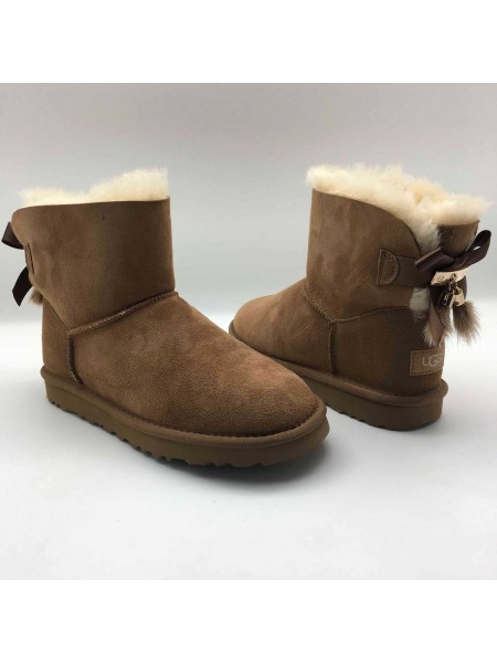 UGG Bailey Bow II Mini Fur Brush Chestnut