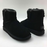 UGG Mini Zip Man Black