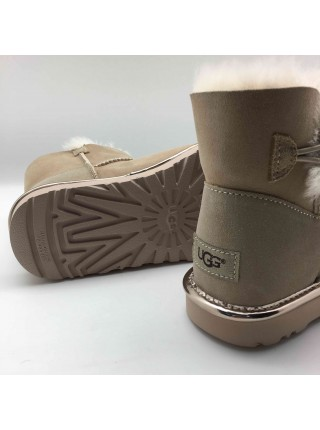 UGG Mini Bailey Button Metallic II Sand